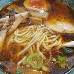 kogashinegira-mennegijirou - 醤油ラーメン  麺アップ