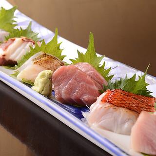 毎日仕入れる鮮魚を堪能