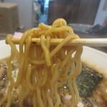 やま昇 - 中太麺