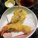 立ち呑み処 立 - 天ぷら三種盛り 480円