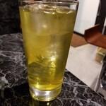 立ち呑み処 立 - 緑茶ハイ 380円