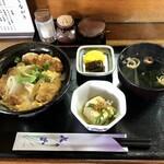 手打ちうどん 釜吉 - 料理写真:かつ丼 800円