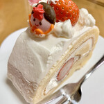 プティ・マリエ - 料理写真:カットしたロールケーキ