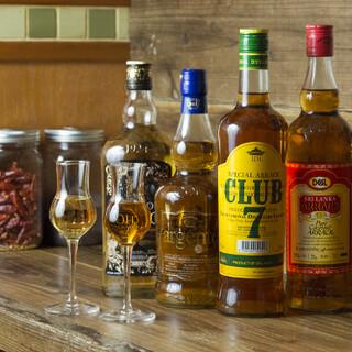 スリランカで愛されるお酒「アラック」の飲み比べができます!