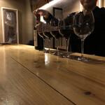 葡萄酒屋イータ - 5名様ご来店な絵図