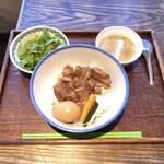 126726077 - 台湾定食:魯肉飯、サラダ スープ付き