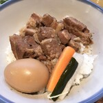 126726083 - 台湾定食:魯肉飯、サラダ スープ付き