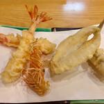 天扶良まるやま - 料理写真:魚介は才巻海老 鱚 女鯒からスタート 出足快調ですよ