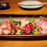 鉄板鶏舎tori to tamago - 土佐ジロー刺身盛り合わせ(要予約)