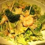 12674962 - ブロッコリーと小海老の胡麻風味グリーンサラダ