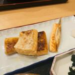 魚料理 渋谷 吉成本店 - 焼きサーモンはらす