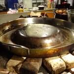 TEX MEX DINER バーボンハウス - メキシコ製凸型鉄板 これで自家製タコスを焼きます