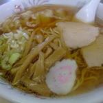 12675293 - あっさりのワンタン麺は人気№1!