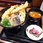 天ぷら食堂 天八 - 上天丼:980円+赤だし:50円