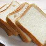 パン工房 キムラヤ - 食パン1斤 260円 4枚切り