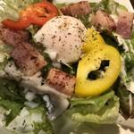 たこ焼き鉄板バル OCTO - ベーコンと温玉のシーザーサラダ!