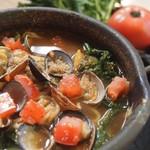 宮がみ屋 - 最近大好評!!国産アサリとしじみ使用の「あさりとしじみのスープカレー麺」