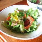 なじま - 焼魚定食(2500円)のシーフードサラダ