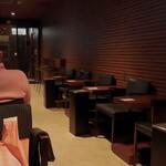 ラウンジオーサカ - 内観写真:「ラウンジ内喫煙ルーム 人少なっ(^_^;)」 令和二年 春節期