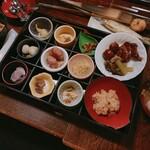 平家の庄 - 料理写真:夕食のバイキング