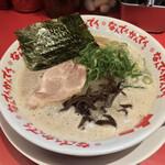 なんでんかんでん - なんでんかんでん 渋谷肉横丁店(東京都渋谷区宇田川町)ラーメン 820円