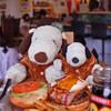 アロハ フードホール ショウギ - 料理写真:こちらのお店はフードコート形式になってます。 ドリンク、ステーキ、ハンバーガーなど、メニューごとに カウンターが分かれてるので、ボキらはハンバーガーとドリンクを 別々のカウンターで注文&お会計。
