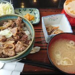 三本コーヒーショップ - 料理写真:牛スジ丼 飲み物付き 1000円(税別)