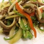 12682782 - 青椒肉絲の野菜はきれいにカットされている。