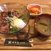 肉菜処 かえる屋  - 料理写真:ステーキ丼=700円 税込 オープン半年の感謝祭価格