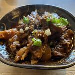 韓国家庭料理 青山 - 牛すじ煮込み。ご飯2杯は軽くいけます。