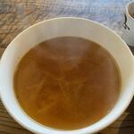 韓国家庭料理 青山 - スープ もやしとキムチ。出汁は和風とのこと