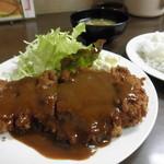味一 - とんかつ定食 850円 (2012.02)