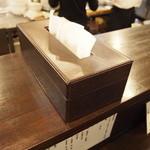 ラーメン専門店 徳川町 如水 - ティッシュも完備です