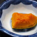 独酌 三四郎 - おかみ旬の盆(カボチャの煮物)