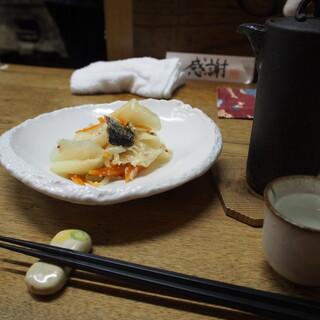 独酌 三四郎 - 料理写真:にしん漬け & 燗酒