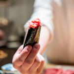 肉割烹 上 - 葱トロ手巻き寿司 リブ芯