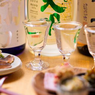 ふらっと1杯でも♪カウンター席のみの日本酒Barもあります◎