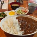 案山子 - すじカレー  色々付いて710円!!ごはん大盛無料!!(ノ゚Д゚)ノ!!