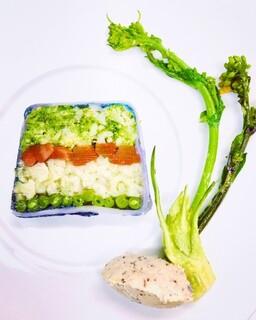 ミチノ・ル・トゥールビヨン - 彩り野菜のテリーヌ サバのリエット