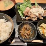 炭火串焼 鳥悠 - 唐揚げ定食南蛮タルタル 850yen