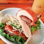 12687295 - 海老チリのピタサンドと根菜とチキンのバーガー(カットしてもらいました)