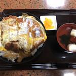 126873456 - カツ丼@650円
