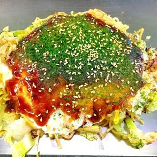 五ェ門 - 料理写真:そば肉玉(680円+税)