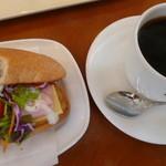 ドトールコーヒーショップ - 料理写真:セットのコーヒーはMサイズ