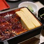 nagoyasumiyakiunagikashiwatogawa - 名古屋コーチンの厚焼き出汁巻きが鎮座する