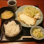 土風炉 - 白身魚の南蛮タルタル定食¥900-
