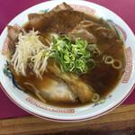 豚菜館 - 醤油(中)