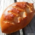 ブランジェリー オランジュ - ソーセージパン