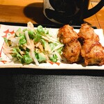 和食 しら田 - 大きなもも肉の唐揚げ4個 サラダ野菜もたっぷり