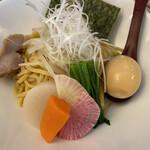 麺屋 波 - 本日の野菜と麺